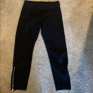 Gap cropped black leggings with silver zippers